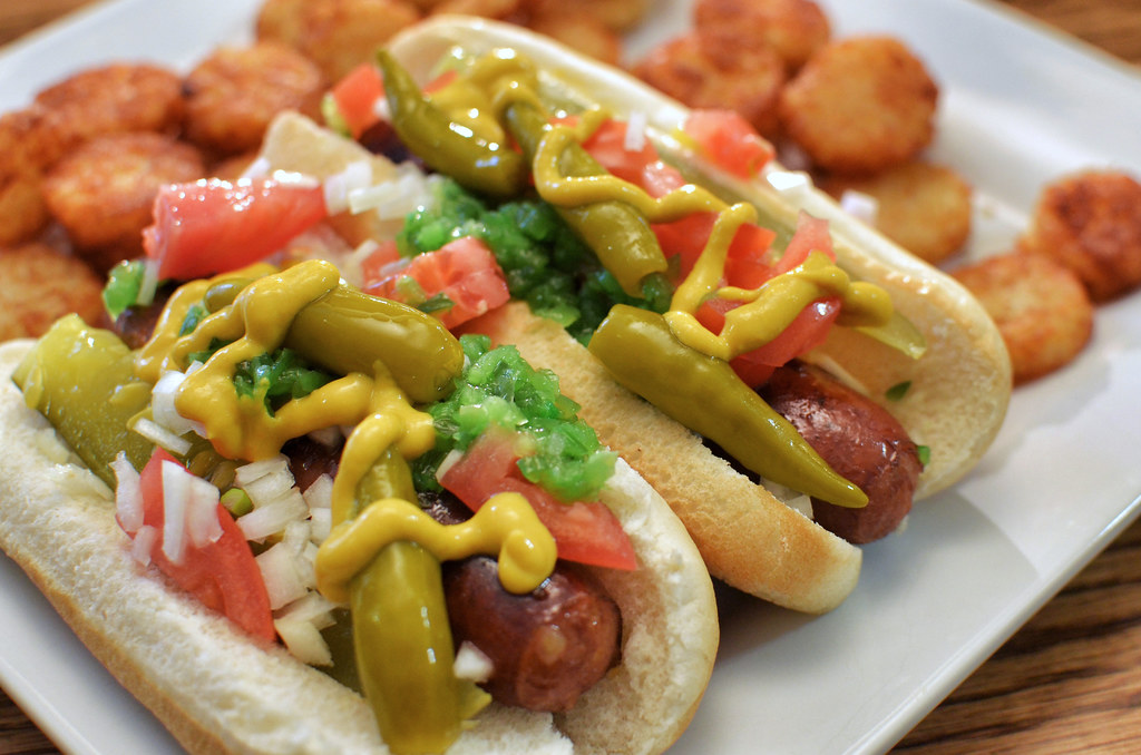 eat-hot-dogs-keto